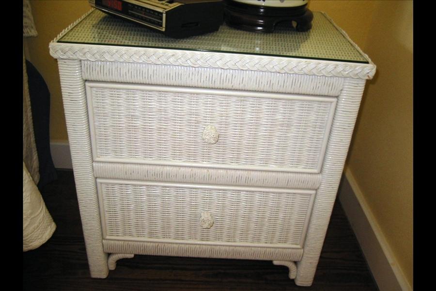 Hamilton Auction, White Wicker Bedroom Furniture Used